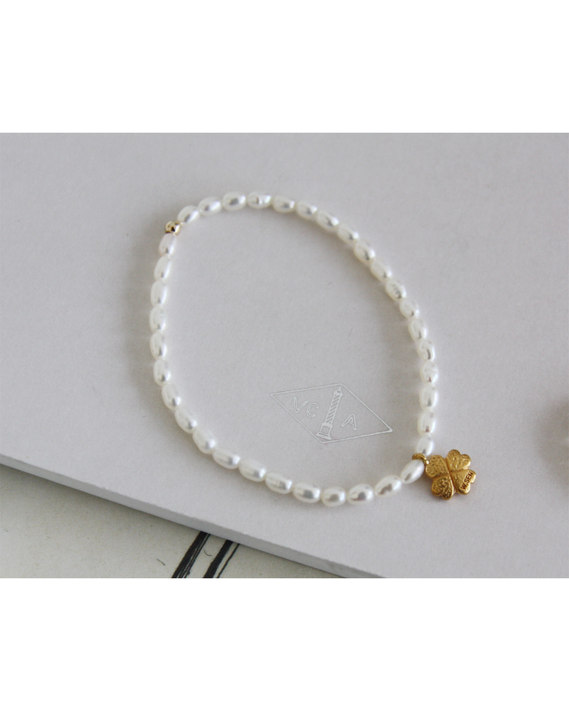 [PREORDER] W.SEN Pearl Band Ring/Bracelet with Clover Charm