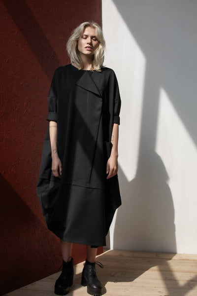 Black New Relax Silhouette Dress - One Size
