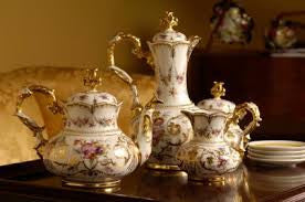Fine China, Porcelain & Dinnerware