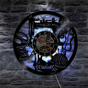 I LOVE SEWING Vinyl LED Clock