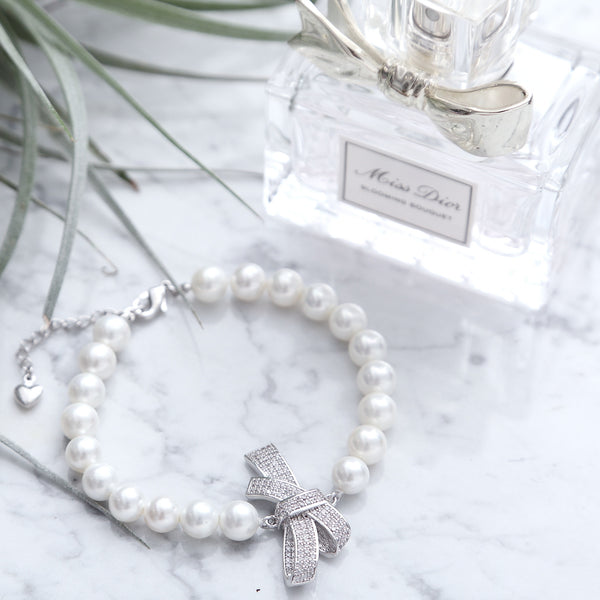 PEARL AND RIBBON CLASP BRACELET