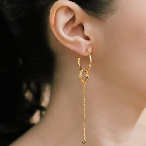 DAILY CHIC SPARKLING LOOP EARRINGS