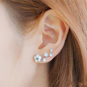 Daisy Pearl Stud Earrings - Family Deals