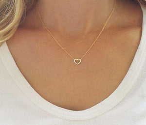 """Dainty Simple Heart Necklace"" - Gold or Silver - Family Deals"