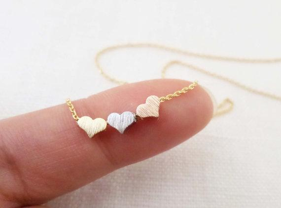 3 cute tiny hearts pendant necklace - Family Deals