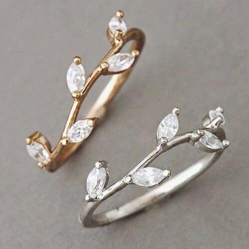 Family Deals Ring Sparkling Crystal set Olive branch leaf ring