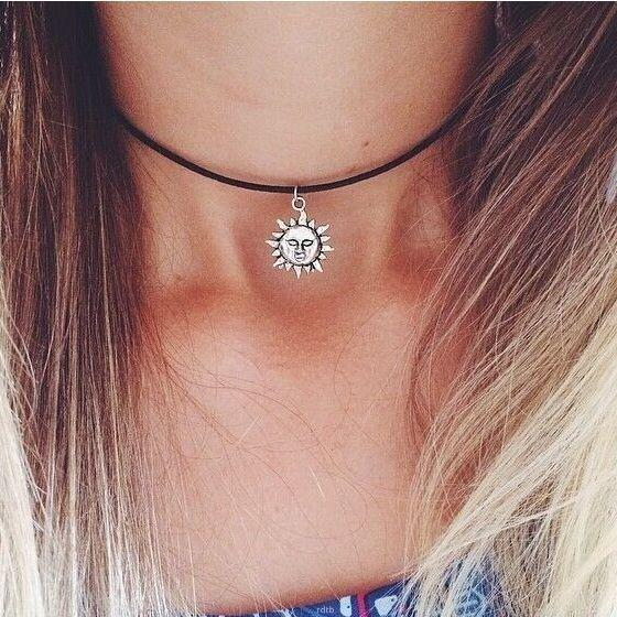 FamilyDeals Necklace Sun pendant choker necklace - antique silver