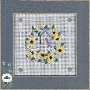 MHCB232 Bluebird Wreath