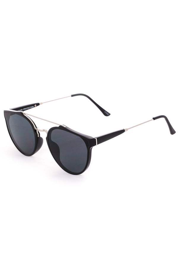 Capri Cutout Modern Aviator Sunglasses - Black / Silver