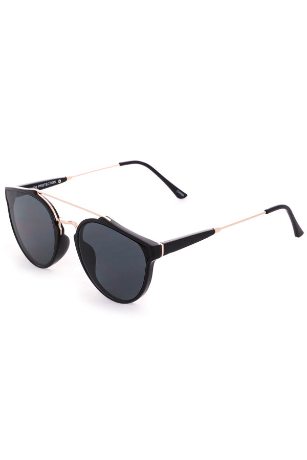 Capri Cutout Modern Aviator Sunglasses - Black / Gold