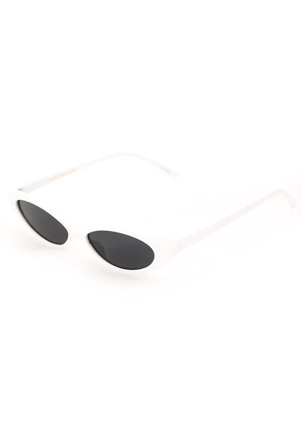 Thin Retro Cat Eye Sunglasses - White