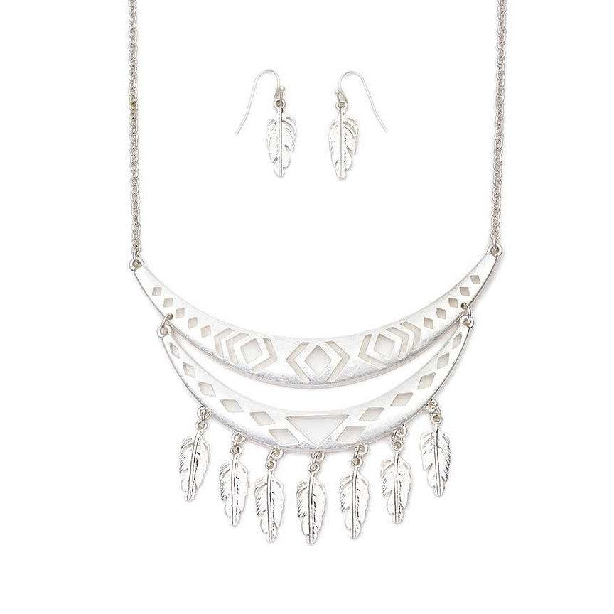 Boho Cutout Feather Fringe Necklace