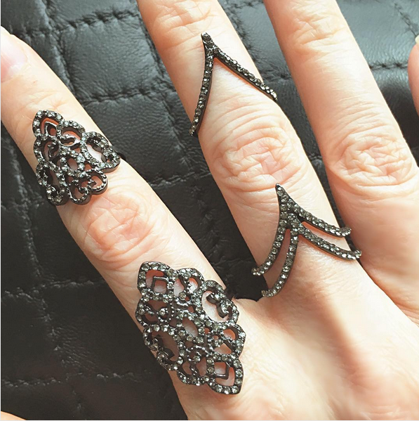 Elegant Baroque Chain Linked Knuckle Ring