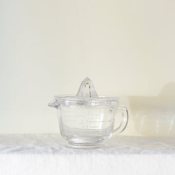 Glass measuring jug and juicer