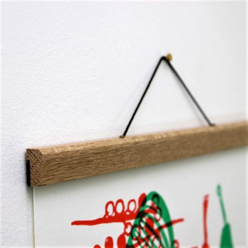 Oak Magnetic Poster Hanger - Medium