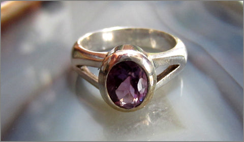 Sculptural Amethyst Ring with Modern Vibe