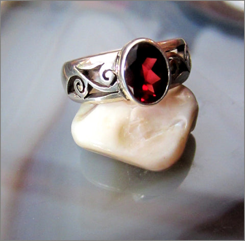 Fiery Faceted Garnet in Silver Filigree Ring