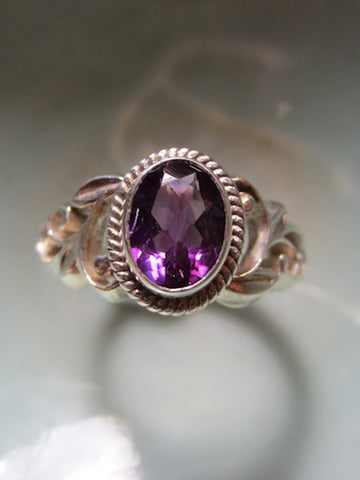 Stunning Handcarved Sterling Ring with Faceted Amethyst from Nepal
