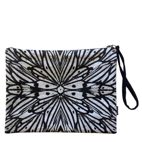 LOVE WINGS CLUTCH - BLACK