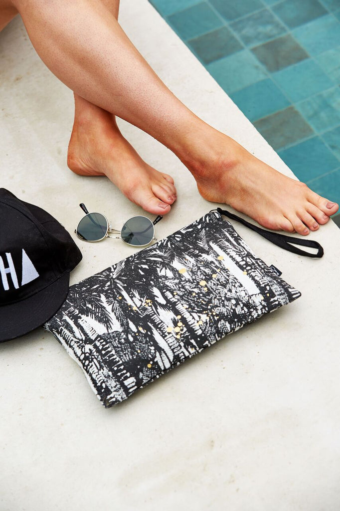 HANA PALMS CLUTCH