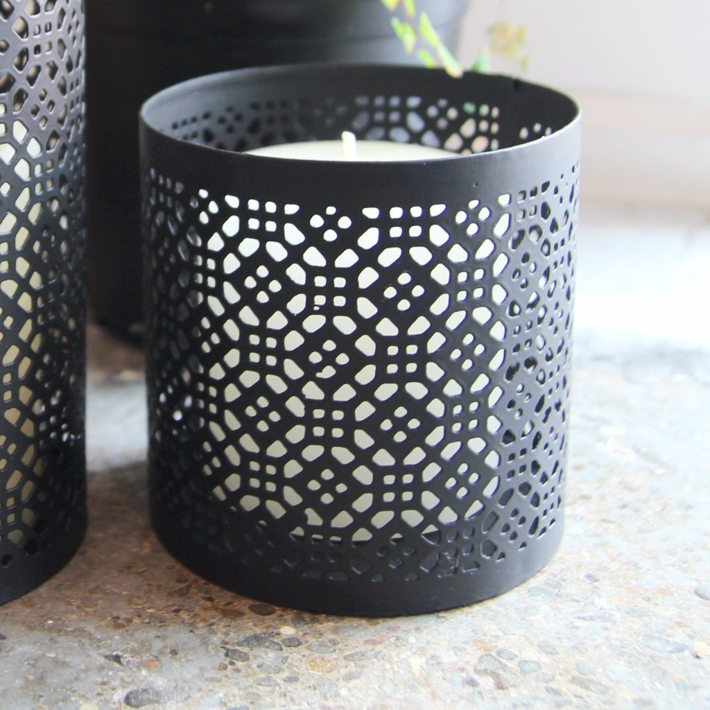 Metal lace candle holder