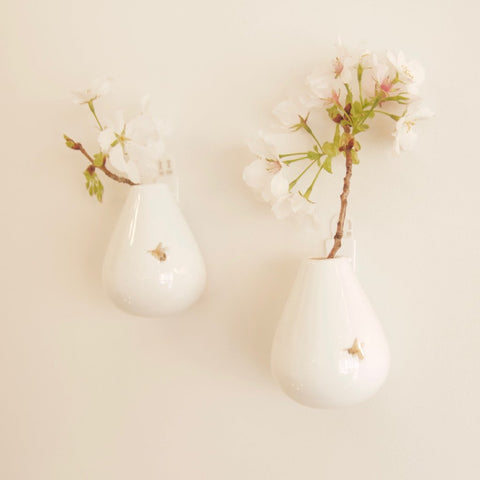 Porcelain wall vase - bee