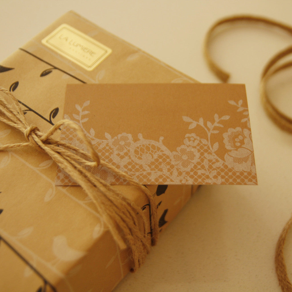 Gift tag - lace