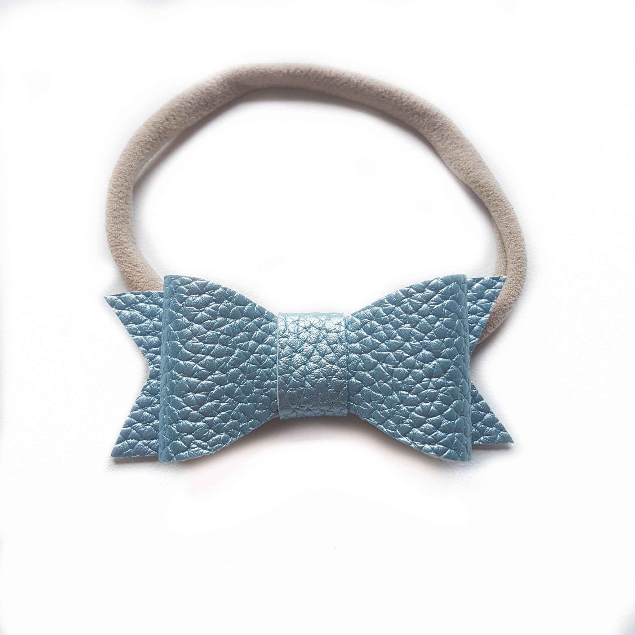 Audrey Bow / Pearl Blue