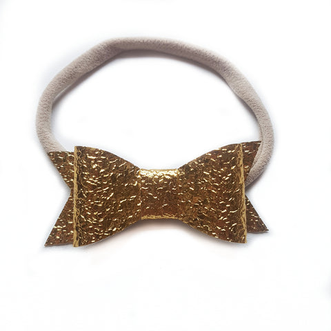 Audrey Bow / Gold Pebble