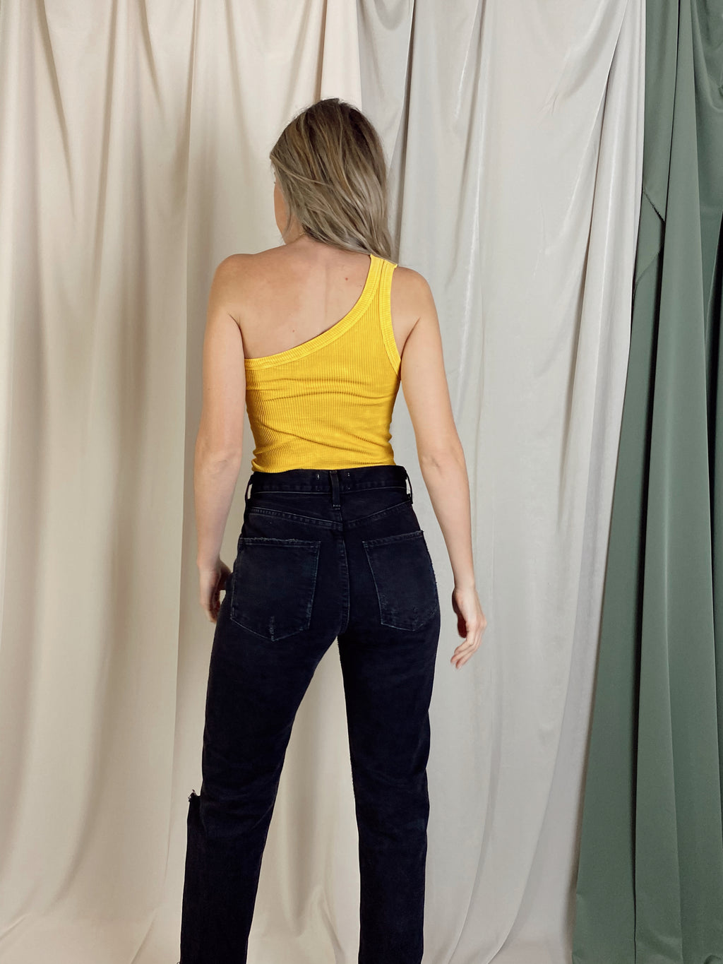 CITRINE ONE SHOULDER TOP
