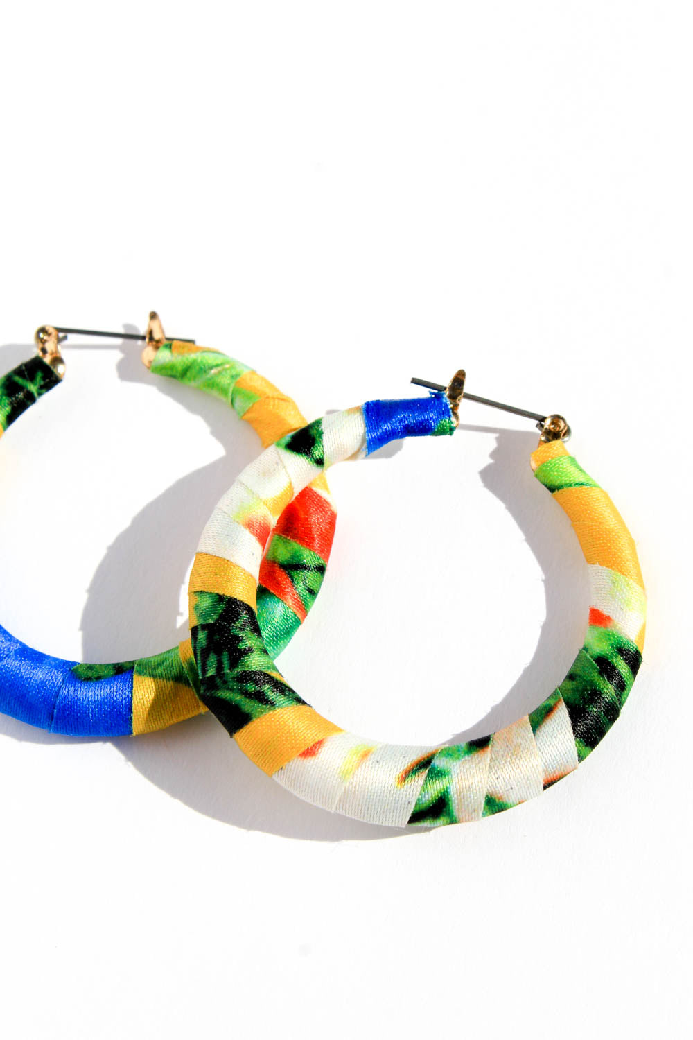JOELLE YELLOW HOOPS
