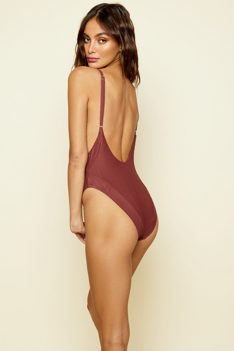 OLLIE ONE PIECE CLAY RIBBED