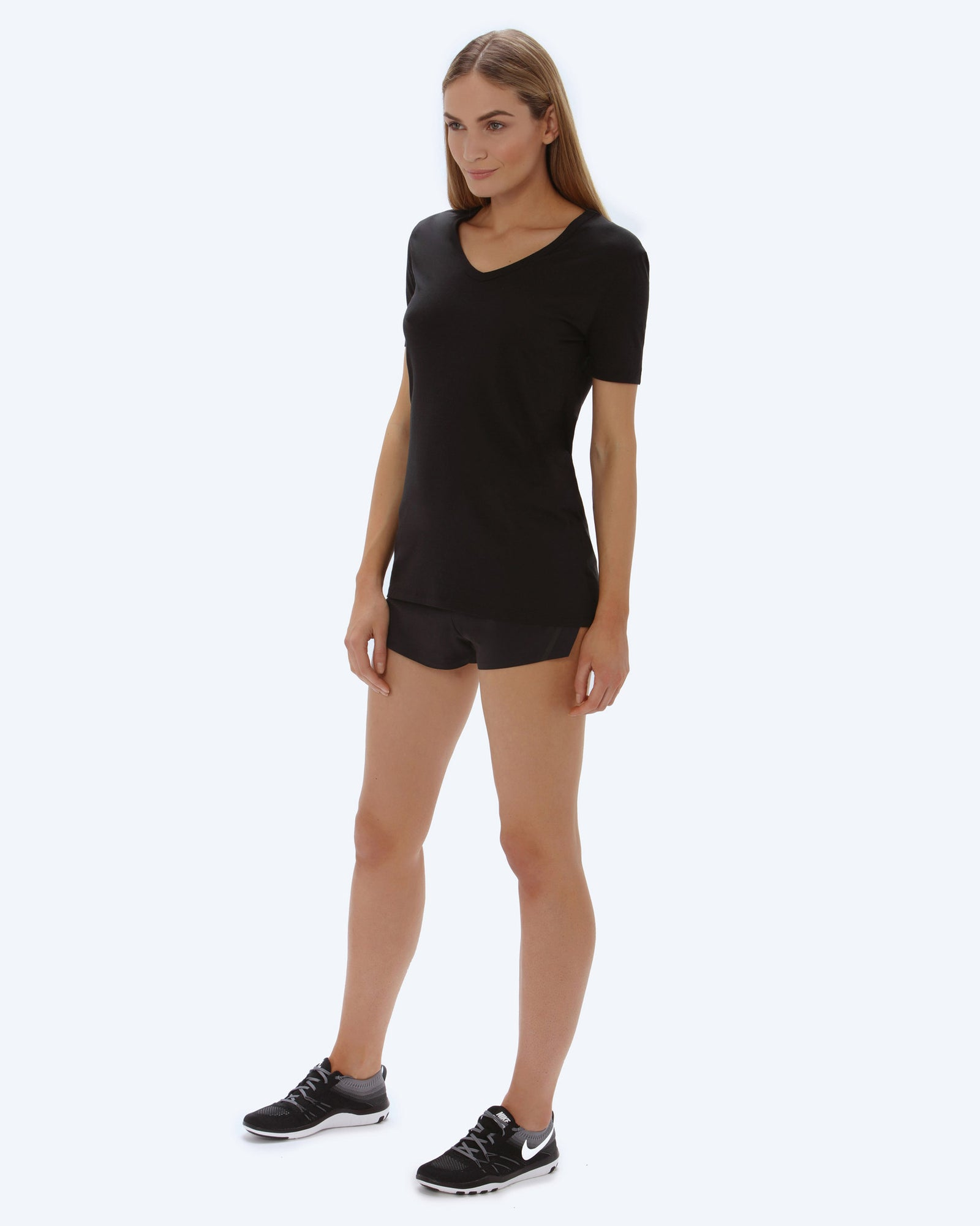 Lene Loose Neck T-shirt - Black - Vaara