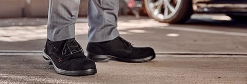 Elten's range of executive shoes cross the line between business and safety, without compromising on either. Lightweight and comfortable business safety shoes for site and office.
