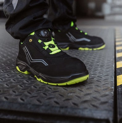 Shop Online For Non-Slip Steel Toe Cap Boots and Safety Runners.