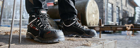 The Sander Pro Work Boot Makes Tough Terrains & Long Days More Endurable. It Has Advanced Cushioning + 100% Waterproof + Maximum Protection.