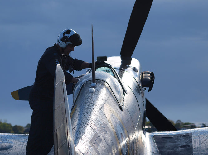 Former OC BBMF commends Flying the Icon: Spitfire