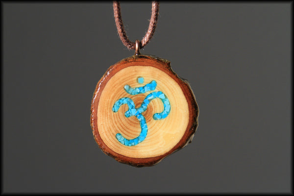 "Pendant - Crushed Turquoise ""Om"" in Live-Edge Lilac Wood"