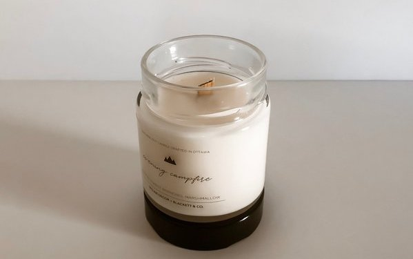 Blackett & Co. natural soy candle wood wick