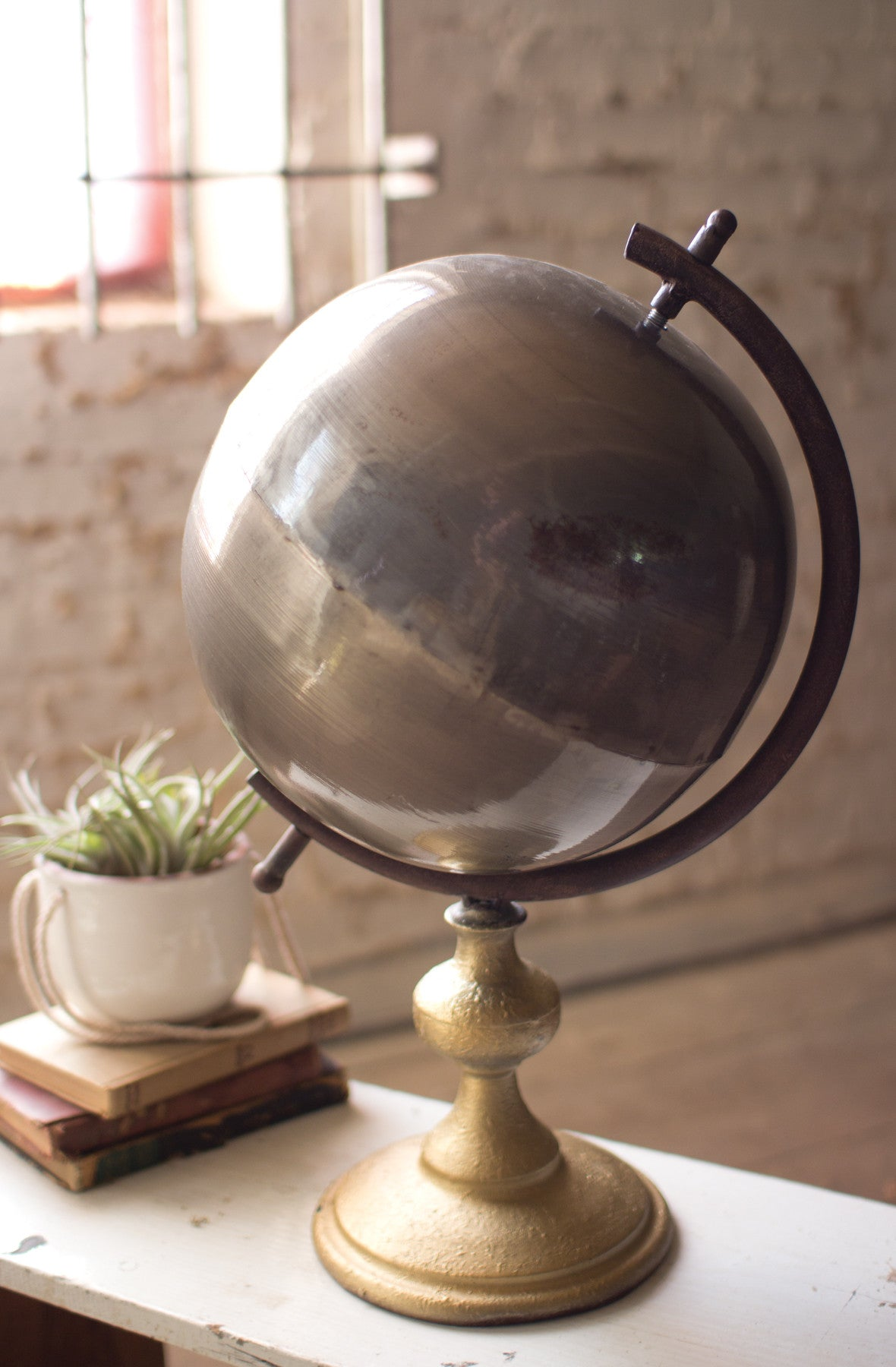 NATURAL METAL GLOBE ON A STAND