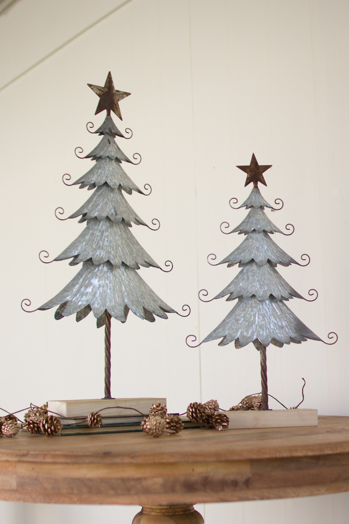 SET OF 2 GALVANIZED TREES WITH RUSTIC DETAIL AND WOODEN BASE