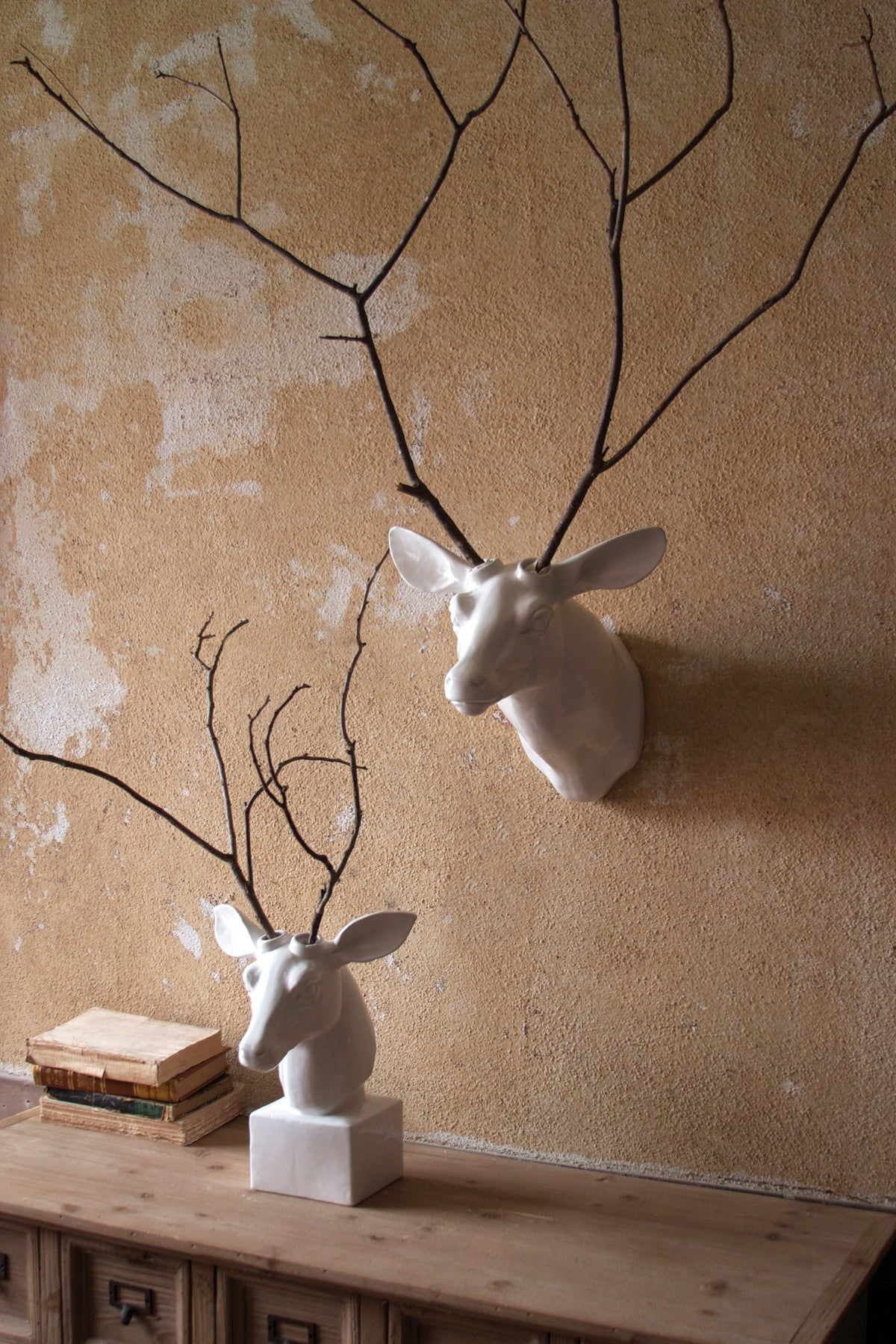 TABLE-TOP CERAMIC DEER HEAD - WHITE