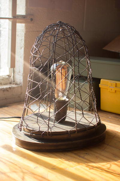 AGED BRASS FINISH WOVEN WIRE DESK LAMP