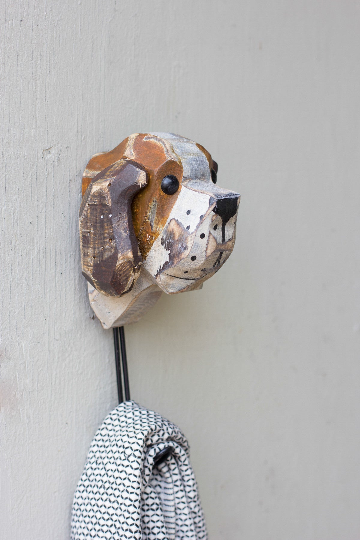 CARVED WOOD DOG WALL HOOK