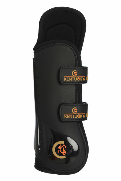 Kentucky Horsewear Knee Tendon Boots they are designed for horses that hit their knee while jumping but with complete freedom of movement with the cut out design at the inside of the knee joint.  The new design remain the same with a tough outer shell casing which is styled in an extremely light yet strong TPU outer shell to protect against impact, whilst the tendon and fetlock areas are both reinforced with D3O shock absorbing molecules for the ultimate in protection. Laboratory tests have shown that the b