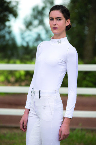 The Horseware Ireland Long Sleeve Base Layer is lightweight and breathable with anti-bacterial CoolMax fabric...this base layer is amazing!  92% Nylon / 8% Spandex Moisture Wicking Super soft hand feel Perfect layering top
