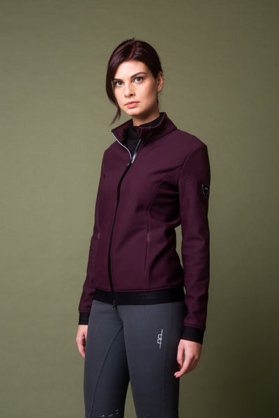 Much love from the Alessandro Albanese Respira Bonded Fleece, 2 amazing colors for the cooler weather!  Bonded for extra warmth and windproofing, it's chic and flattering! Pockets with zip closure AA resin badge on sleeve 78% Nylon, 22% Spandex bonded with 100% Polyester fleece •• Machine washable