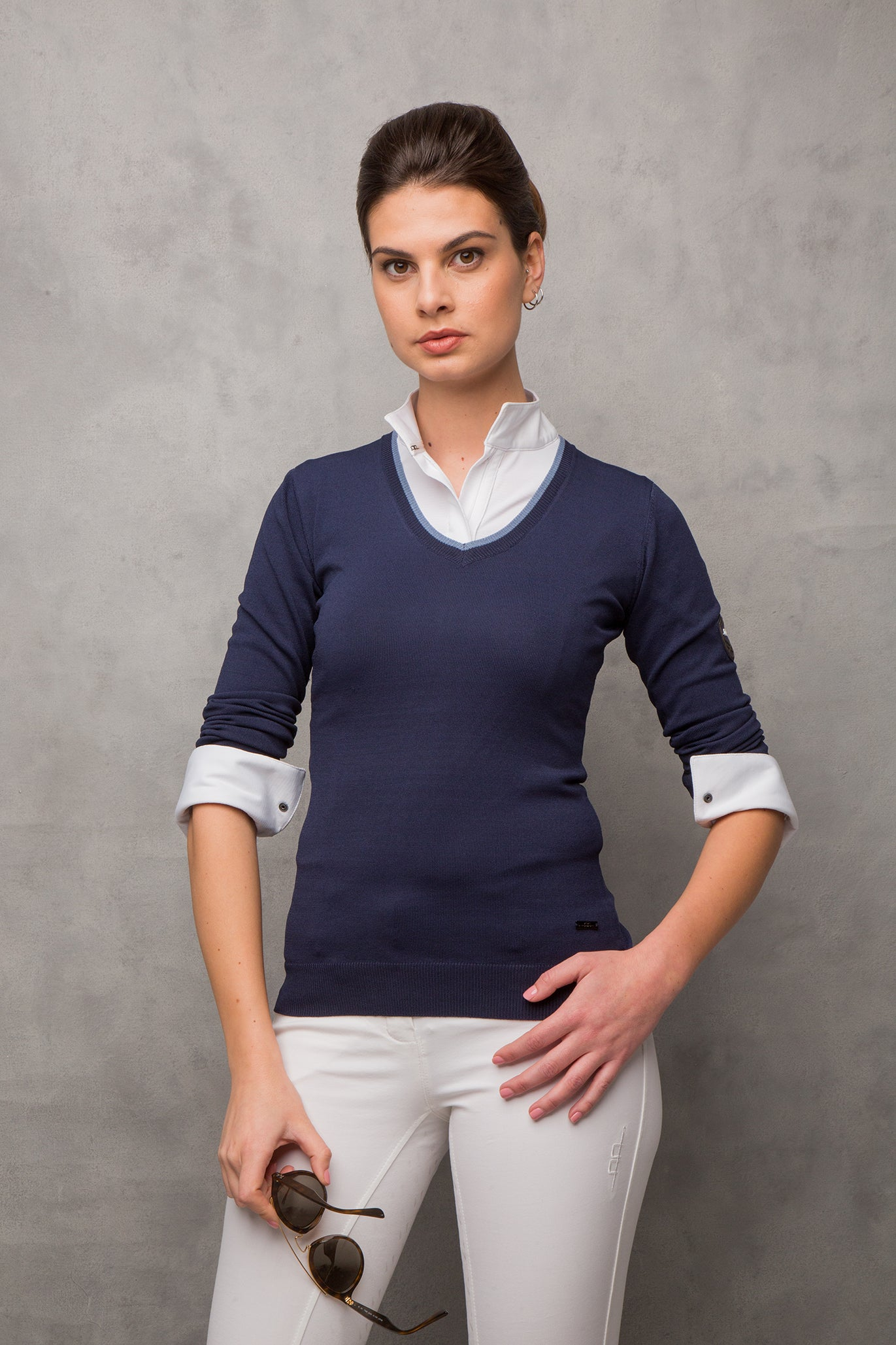 An Italian designed classic lightweight V-neck knit sweater from Alessandro Albanese, created in the luxurious blend of Rayon and Nylon. This knitted sweater is a classic, with luxury-smooth hand feel and shape retention. Perfect for all seasons.  75% Rayon, 25% Nylon Classic V-neck fit Extremely light & breathable AA badge on sleeve Easy care / Machine washable
