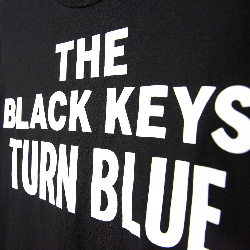 THE BLACK KEYS TURN BLUE LOGO T-SHIRT BLACK DETAIL