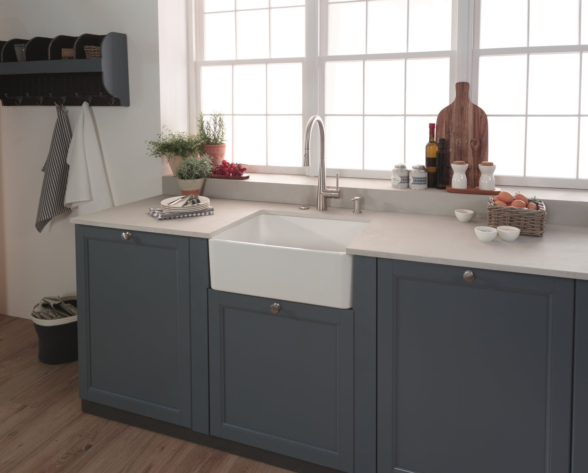 Franke manor house mhk110 20 fireclay 20 apron front sink in